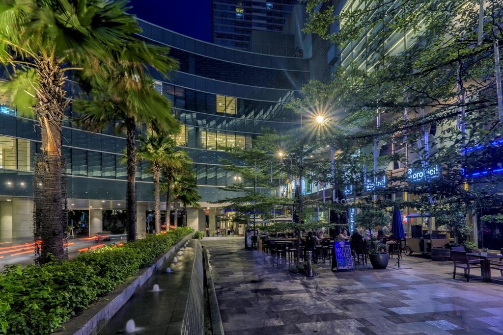 Streetscape at Shangri-La Plaza
